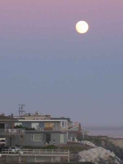 Full moon rising - July 12, 2003